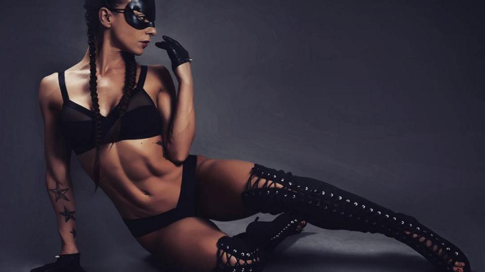 Friday Hottie: Sexy Anna Delyla