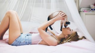 Cuteness Overload: 25 Hot Girls Show Their Cute Kitties