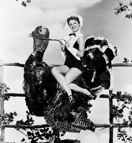 11 Ridiculous Thanksgiving Pinup Girls